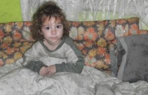 félős kislány az ágyban