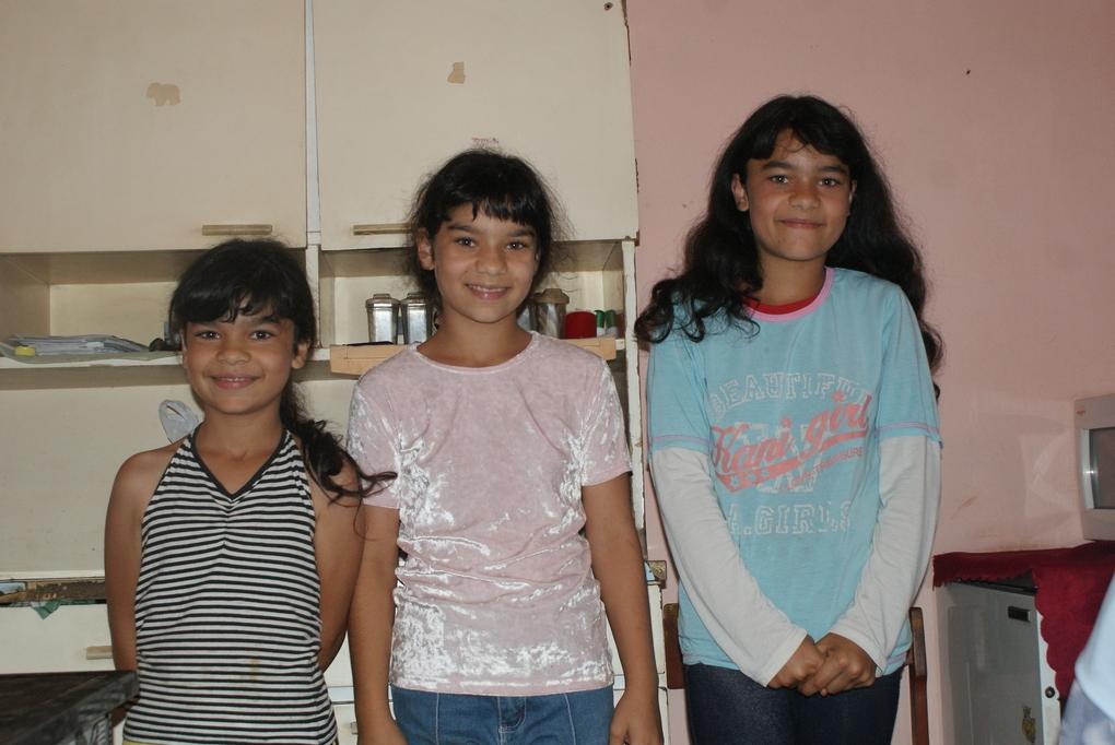 3 lánytestvér